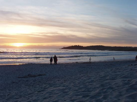 Lobos Lodge: The beach at Carmel -- a couple blocks from the Lobos.