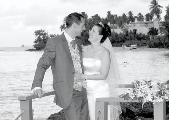 Cobblers Cove: I Will.....The new Mr and Mrs!