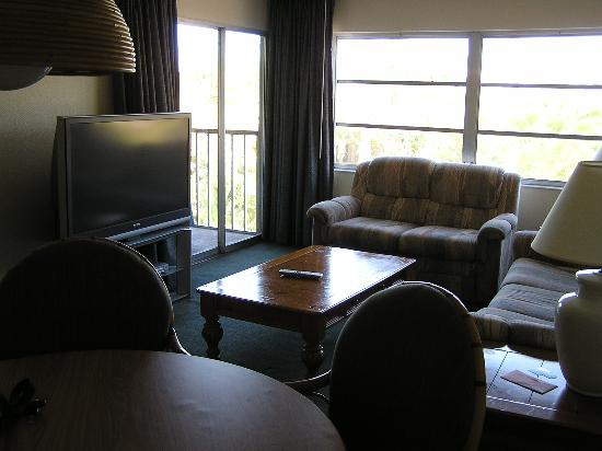 king size bed and balcony - picture of best western naples inn