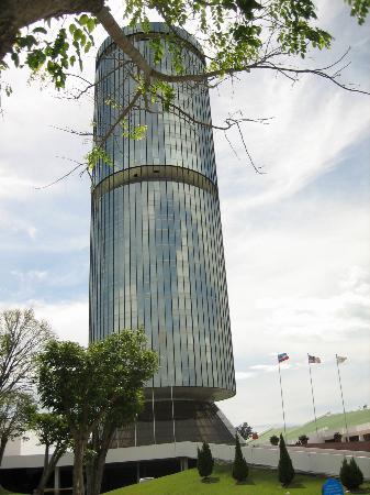 Kota Kinabalu, Malaisie : Menara Tun Mustapha (Sabah Foundation Building)