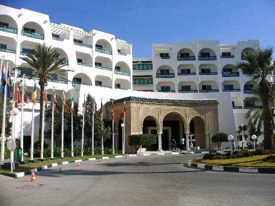 Marhaba Beach Hotel: hotel enterance