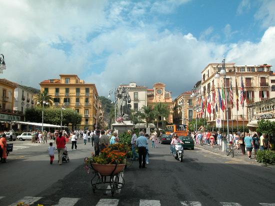 Sorrento, Italia: Piazza Tasso