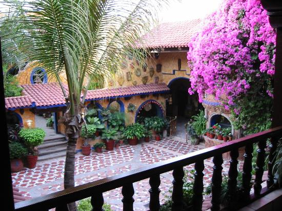 Hotel El Fuerte: Wish my home looked like this!