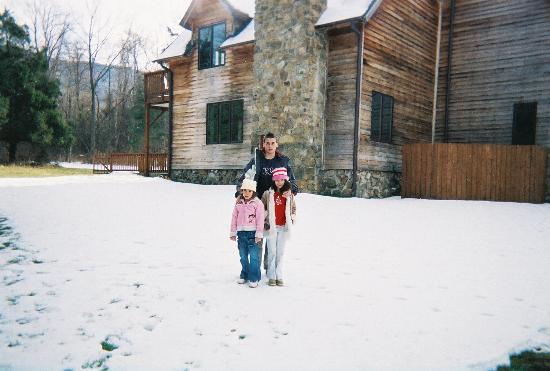 Shadow Mountain Escape: White Christmas, 2005