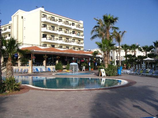Anastasia Beach Hotel: Hotel and pool