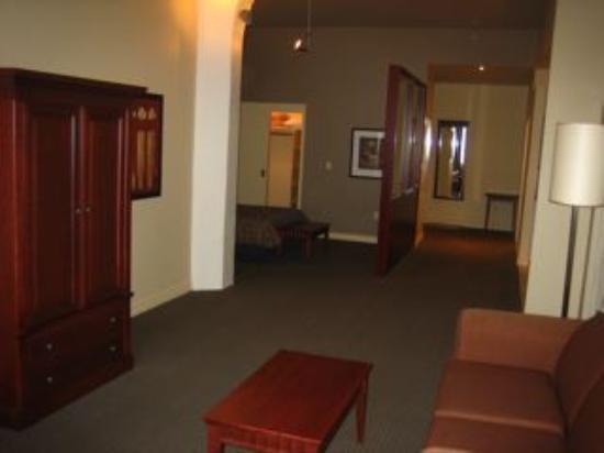 Le Square Phillips Hotel & Suites : Le coin salon