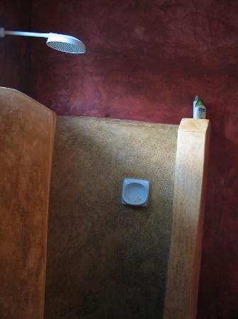 Pongwe Beach Hotel: Bathroom