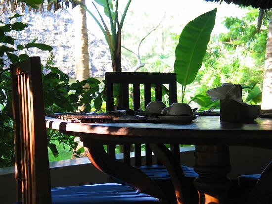 Pongwe Beach Hotel: Restaurant
