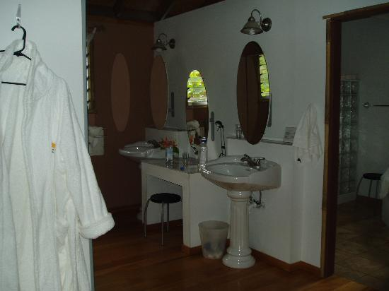 Kulu Bay Resort: Bathroom Area