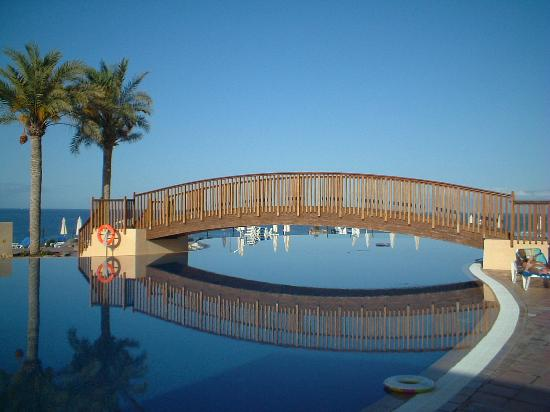 Bahia Principe Costa Adeje: The grounds are superficially very attractive