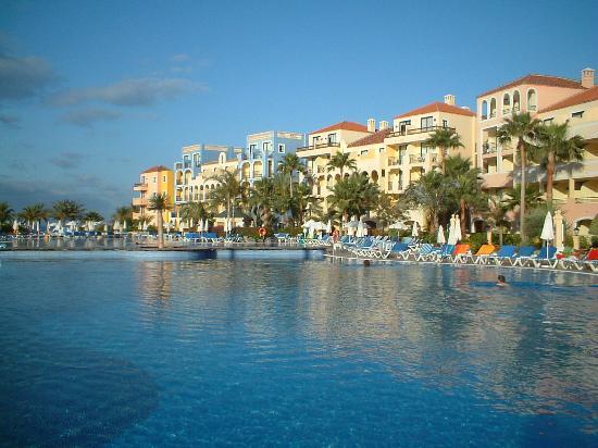 Bahia Principe Costa Adeje: Nice view  - pity about tyhe folkes