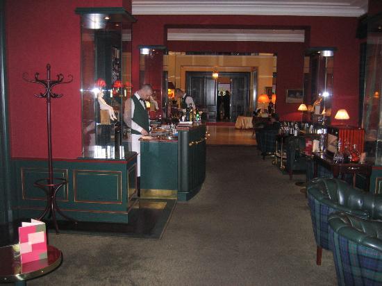 Le Palais Art Hotel Prague: The bar