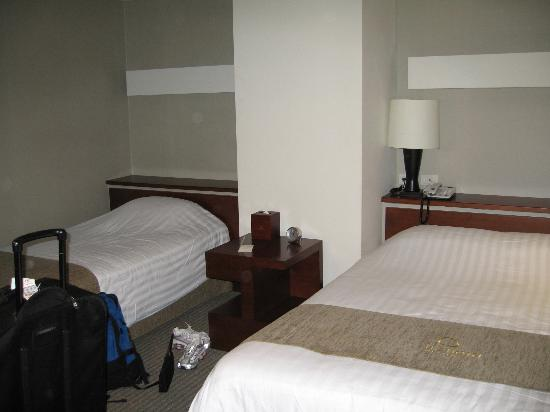 Metro Hotel: triple room (one double and one twin)