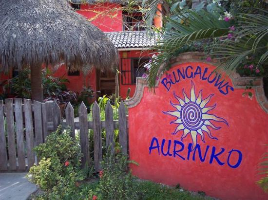 Aurinko Bungalows: Entrance to Aurinko