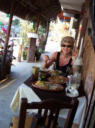Aurinko Bungalows: Sayulita Cafe