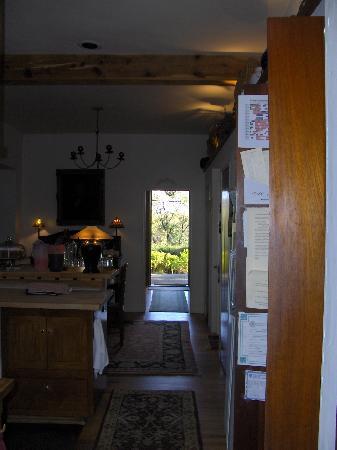 Alexander's Inn: kitchen/dining room
