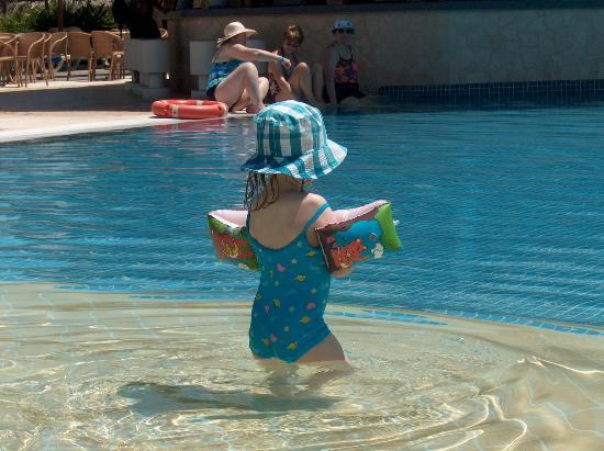 Iberostar Varadero: Enjoying the pool