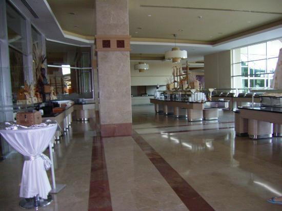 Miracle Resort Hotel: restaurant