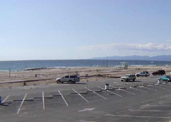 Easy Parking And Vollyball Courts On El Segundo S Beach