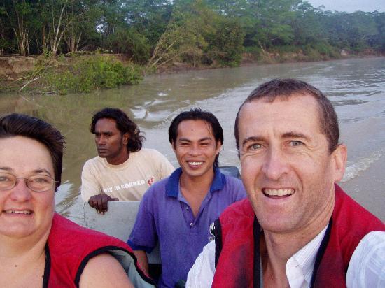 Trekkers Lodge Kinabatangan: Afternoon cruising on the Kinabatngan with Lem