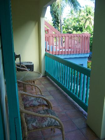 Mongoose Apartments: Front Porch