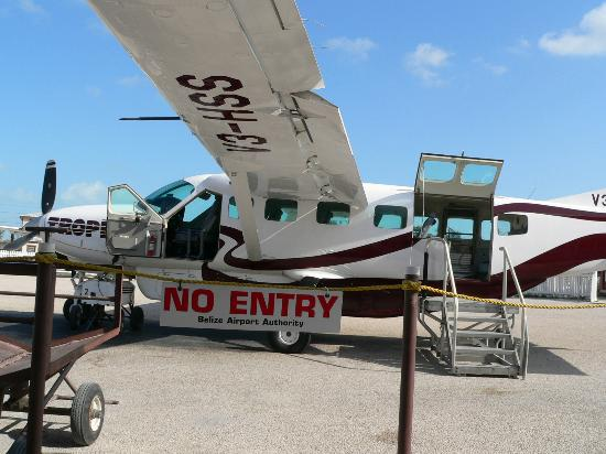 Xanadu Island Resort: Tropic Air Puddle Jumper