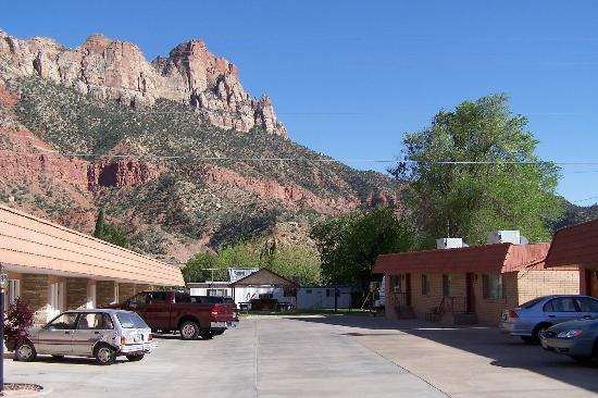 Zion Park Motel: Clean mountain air