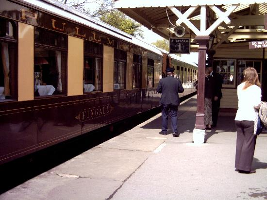 Uckfield, UK: Pullman Dining coach Golden Arrow