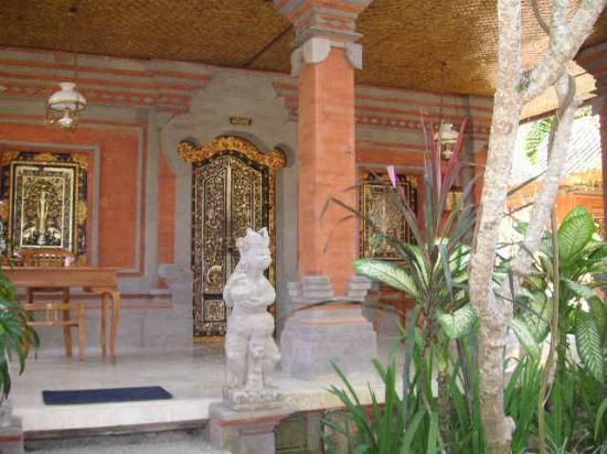 Puri Saraswati Bungalows