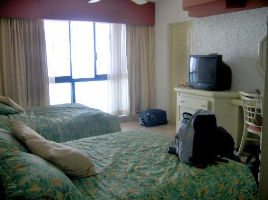 El Cid El Moro Beach Hotel: Double Suite - two beds