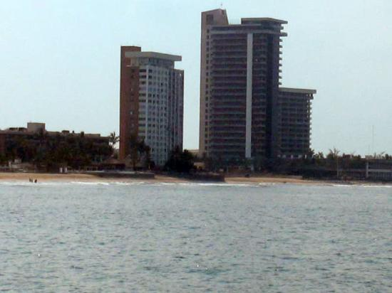 El Cid El Moro Beach Hotel: Exterior from the water