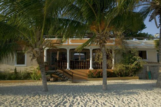 Posada Macanao Lodge: near the beach (cerca de la playa)