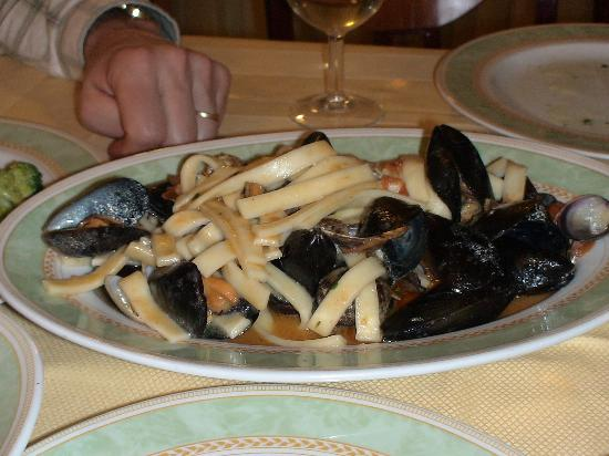 Il Nido Hotel Sorrento: Homemade pasta with Muscles and clams