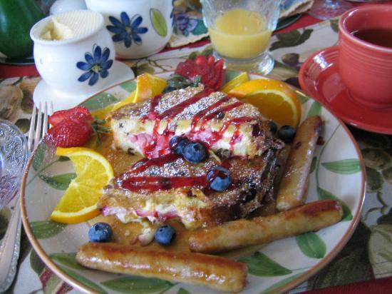 D&D's B&B: strawberry stuffed french toast