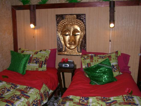 Belize Boutique Resort & Spa: our room - we were not a couple