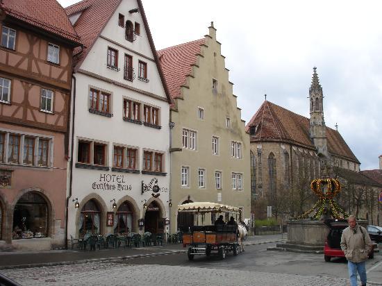 Hotel Gotisches Haus Photo