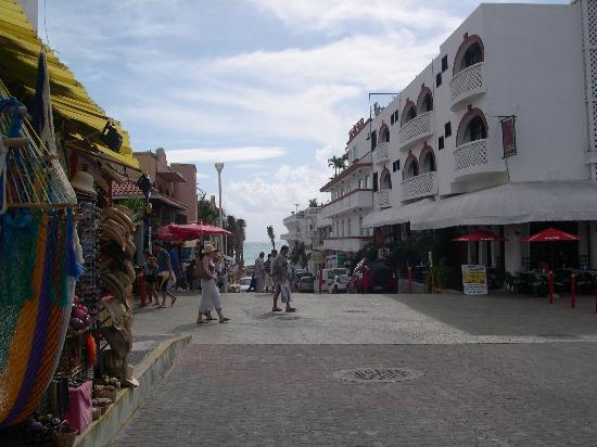 Casa Freud: hotels and tacky shops