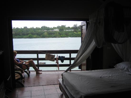 Fatumaru Lodge: Looking out to the water