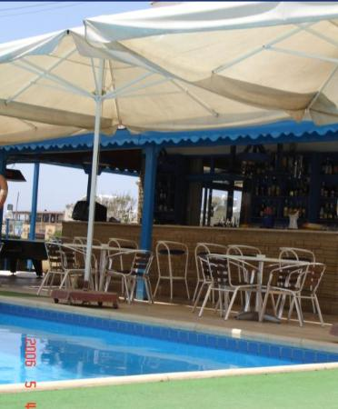 Tasmaria Hotel Apts.: Pool Bar