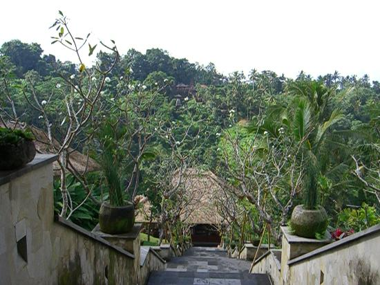Hanging Gardens of Bali: main entrence to the villas