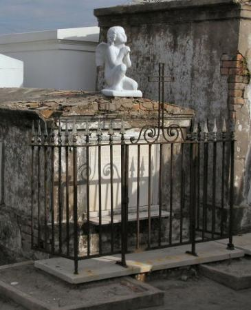 New Orleans, LA: Praying Angel,St Louis Cemetery #1