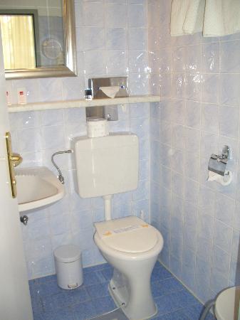 Kaiserpark Schönbrunn: Bathroom