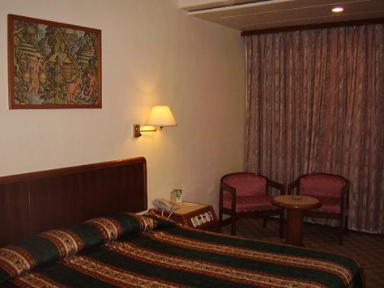 โรงแรมฮิลบาแตม: room of Puri Garden