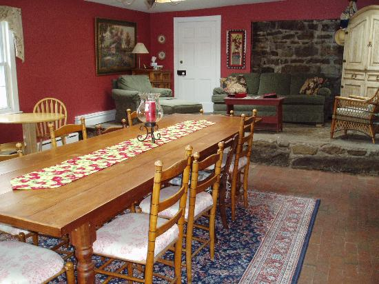 Apple Valley Inn Bed & Breakfast: Amazing dining room