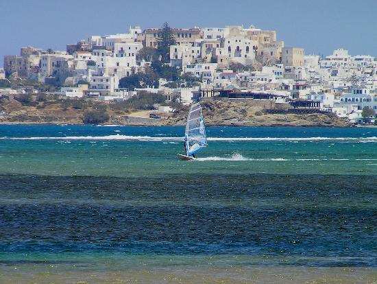 Naxos, Griechenland: Windsurfing near St. George Beach