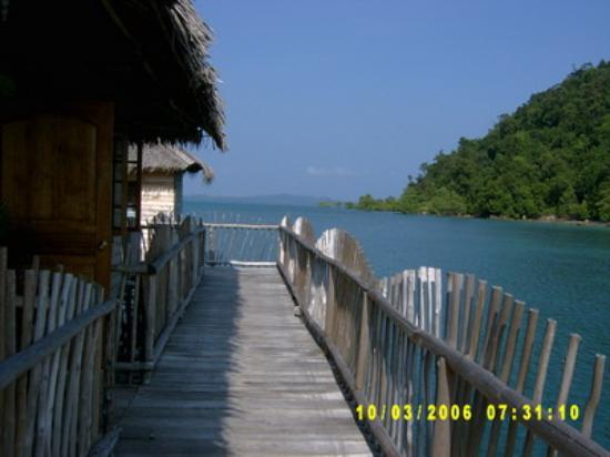Telunas Beach Resort Photo