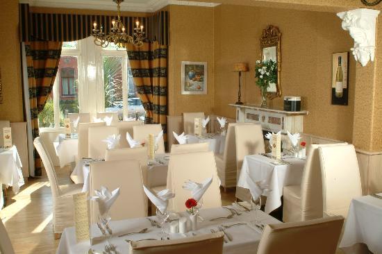 Maples House Hotel: Restaurant