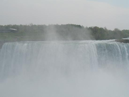 Fallsview Casino Resort: the falls