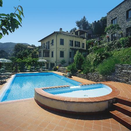 Villa Edera Hotel: Pool & Garden