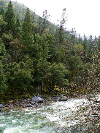 Yosemite View Lodge: Balcony view downstream